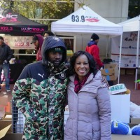 WALE assist at Food4Families Thanksgiving Giveback